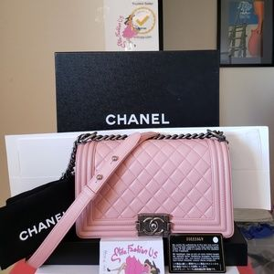 Chanel boy pink Lambskin leather medium bag